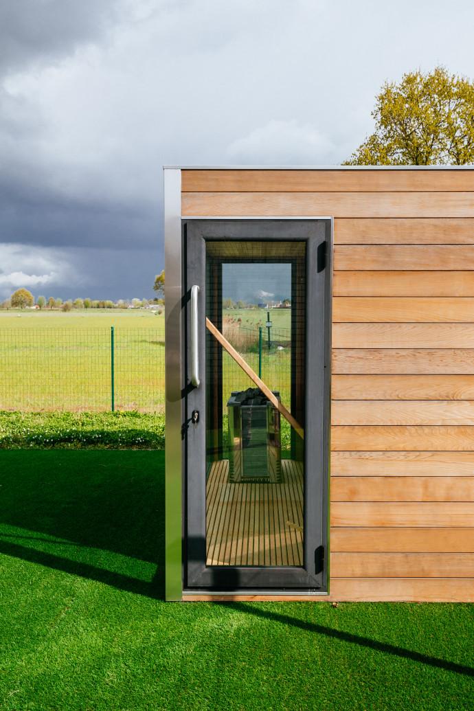sauna exterieur de luxe 8 question jardin. Black Bedroom Furniture Sets. Home Design Ideas